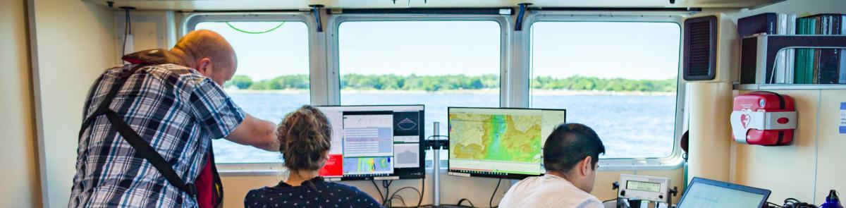 Ocean engineering research vessel