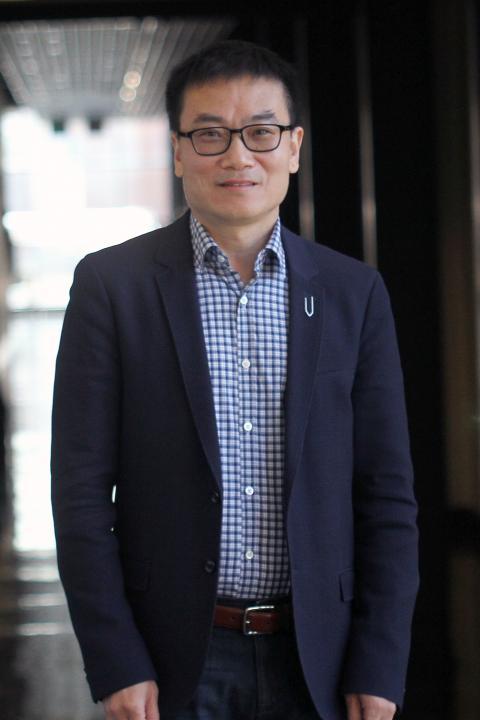 Professor Nan Yi