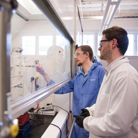 Luke as a TA in a lab